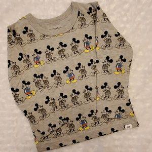 Disney Gap Mickey Mouse shirt!